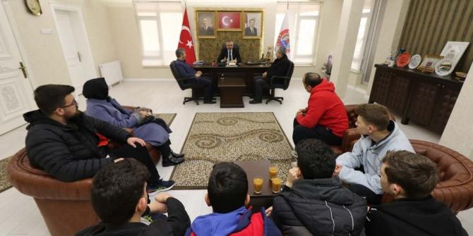 Samsun'da öğrenciler dart müsabakalarından başarıyla döndü