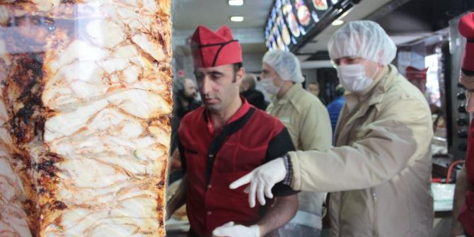 Başkent'te döner ve fast food restoranları denetlendi