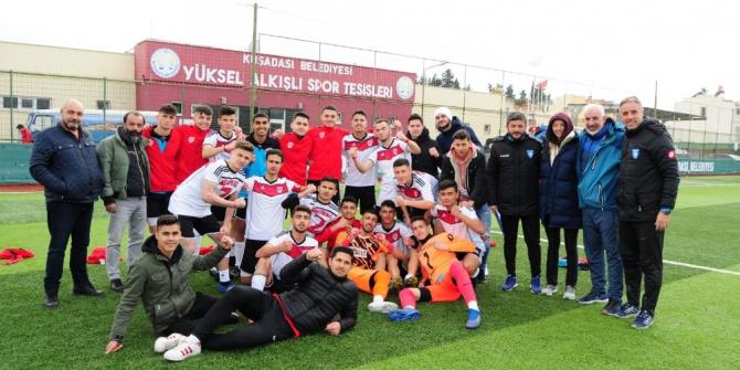 Manisa Spor Lisesi yarı finale yükseldi