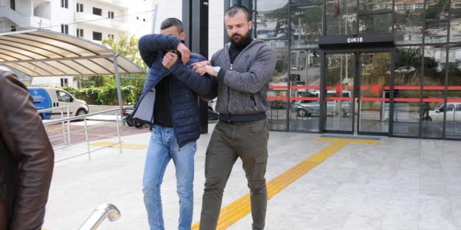 Cezaevi firarisi çalıştığı oto yıkamacıda yakalandı