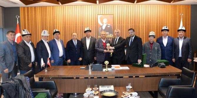 Kırgızistan heyeti Hendek'e hayran kaldı
