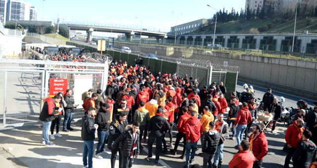 Galatasaray taraftarına Fenerbahçe derbisi öncesi şok!