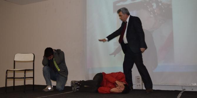 Aliağa'da deprem bilgilendirme semineri