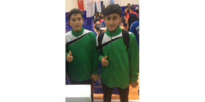 Mercan'lı öğrenciler teniste yarı finale çıktılar