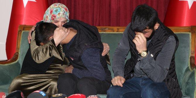 HDP önündeki ailelerden biri daha evladına kavuştu (2)