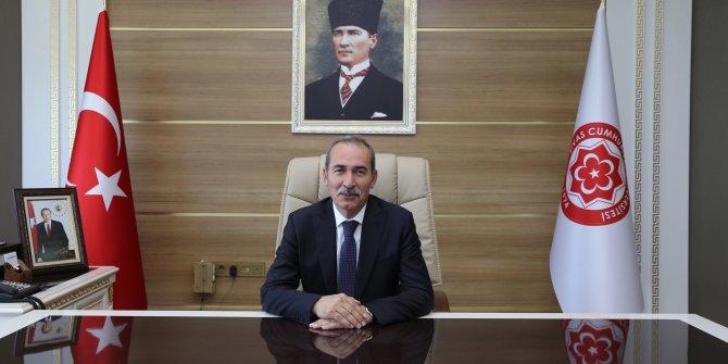 Sivas Cumhuriyet Üniversitesi Rektörü Yıldız'dan bilimsel yayın başarısı