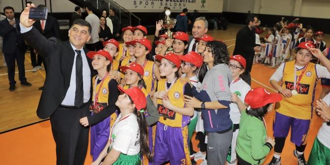 Gazi Kupası şampiyonların ellerinde