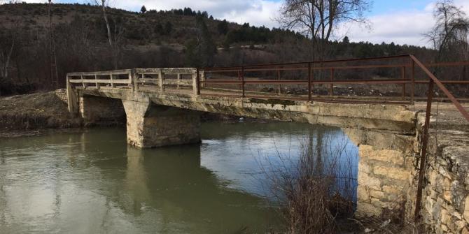 Yıllardır yapılmayan köprü tedirgin ediyor