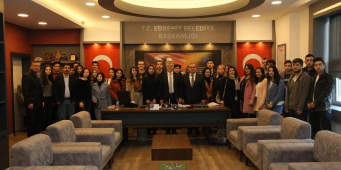 Genç havacılardan Başkan Arslan'a teşekkür