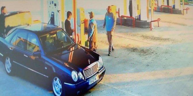 Kayıp 3 liseli kızın otostopla bindiği otomobil kamerada