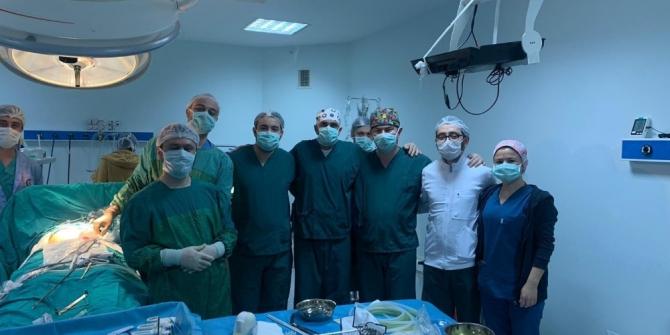 ADÜ'de 'Fıtık Günü' kapsamında canlı ameliyatlar yapıldı