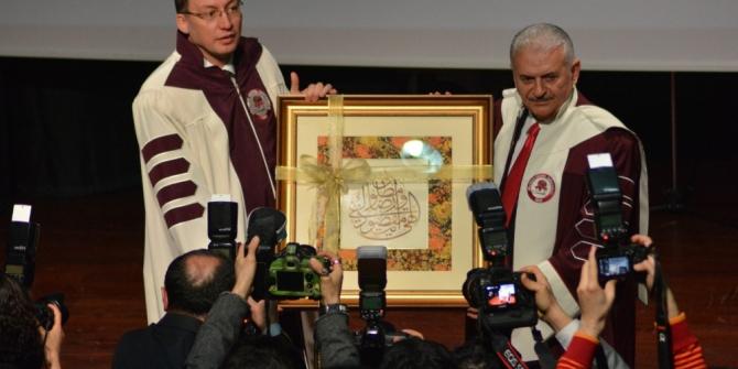 Binali Yıldırım'a Süleyman Demirel Üniversitesi'nden fahri doktora payesi