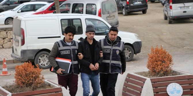 Bir evden iki kere hırsızlık yapan şüpheli, polis tarafından yakalandı