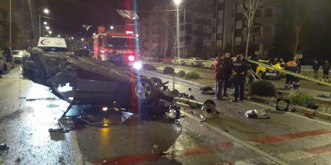 Denizli'de 1 kişinin öldüğü, 3 kişinin yaralandığı kaza kamerada