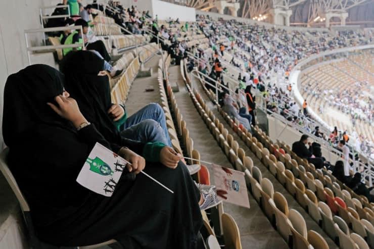 Suudi Arabistan kadın futbol ligi kuruyor!