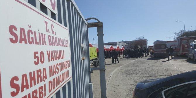 Bakan Koca, 60 kişinin gözlem altında olduğu sahra hastanesini gezdi