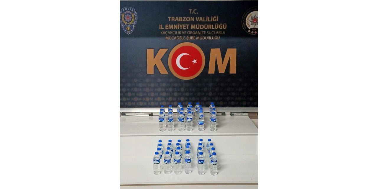 Plastik şişelerde içki sattığı iddiasıyla tutuklandı