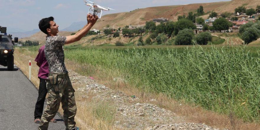 Mısır tarlasına saklanan hırsızlar drone ile bulundu