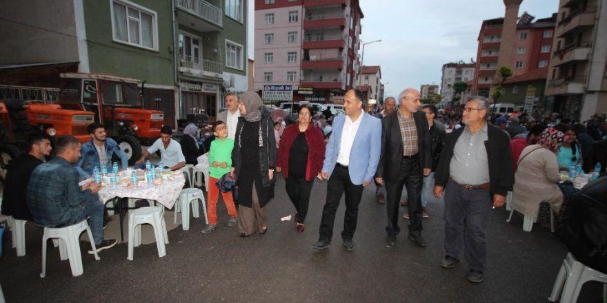 Beyşehir'de mahalle iftarlarında mehter coşkusu