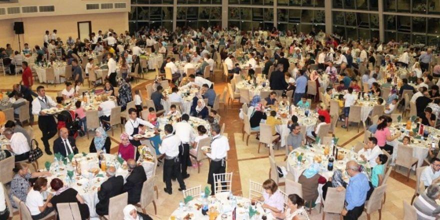 İskenderun'da şehit aileleri ve gaziler onuruna iftar