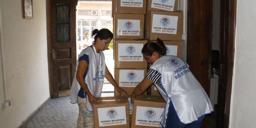 Akdeniz Belediyesi'nden dar gelirli ailelere gıda yardımı