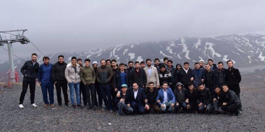 Kayseri Safa Genç Ortam Derneği'nden Erciyes'te Anlamlı Çalışma