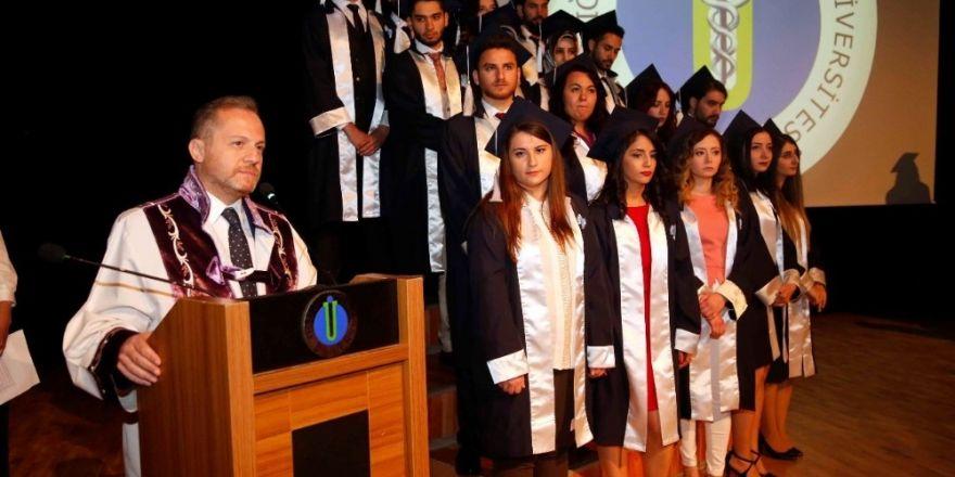 4 bin öğrenciden 4 bin mezuna