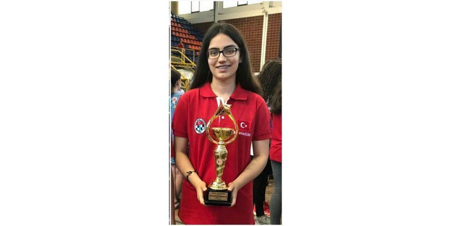 Mersinli öğrenci Avrupa Satranç Şampiyonu oldu