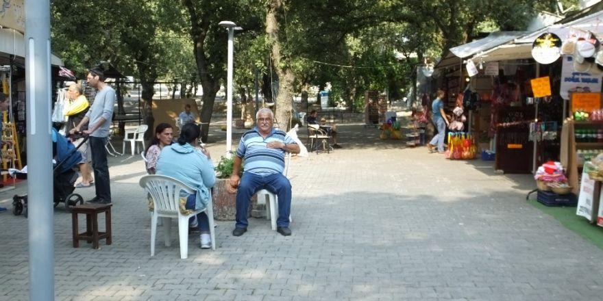 Burhaniye'de sahil esnafı bayramı bekliyor
