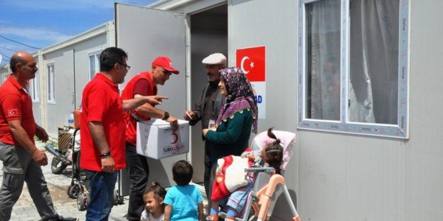 Kızılay'dan depremzedelere yardım