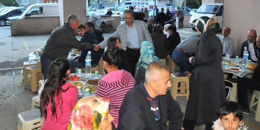 Başkan Akkaya'dan belediye personeline iftar yemeği