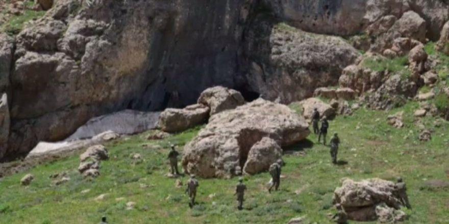 """""""Şehit Piyade Kurmay Albay Gökhan Peker-01"""" operasyonu zorlu arazi şartlarında 8 gündür devam ediyor"""