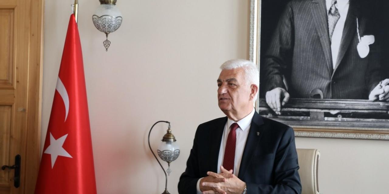 Başkan Gürü,n Çanakkale Zaferi'nin 105. yılını kutladı