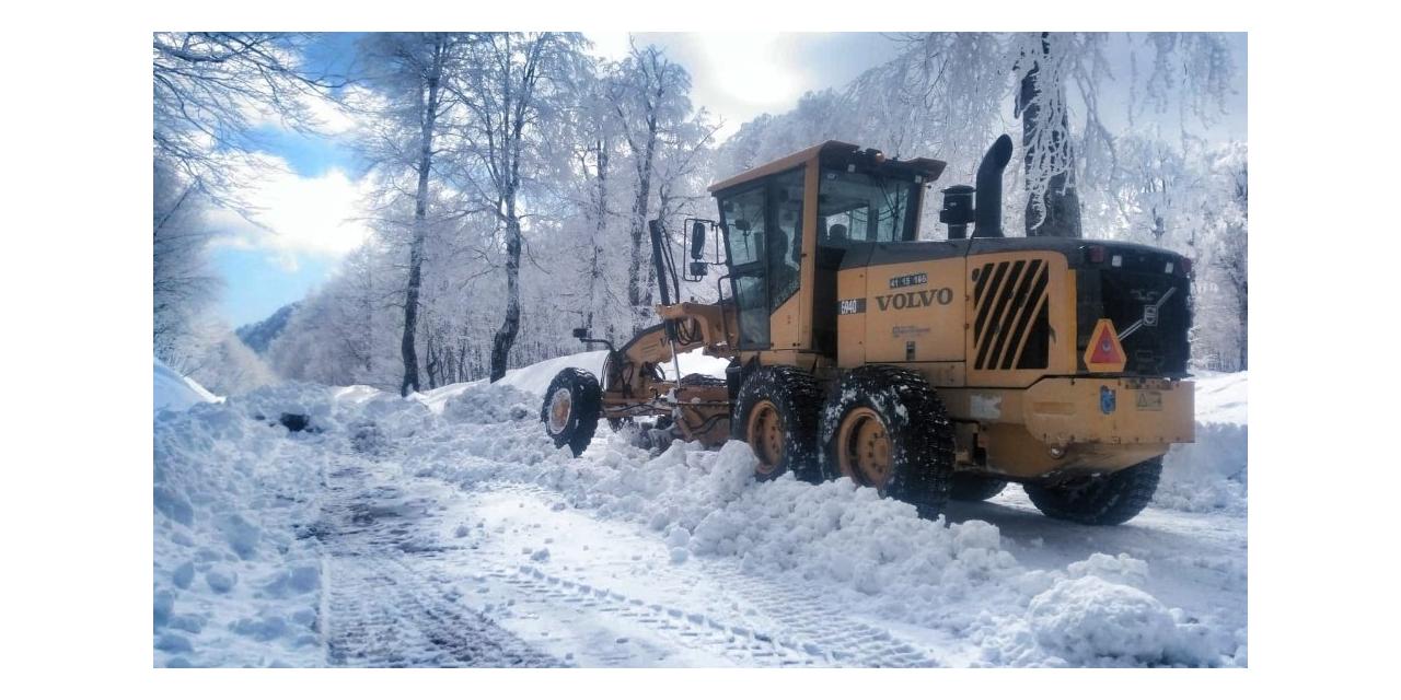 Kartepe'de kar kalınlığı 66 santime ulaştı