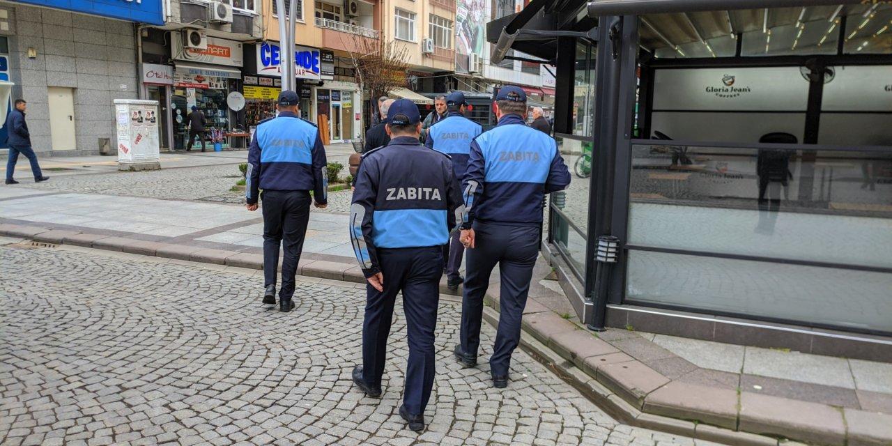 Rize'de iş yerleri kapalı, sokaklar boş