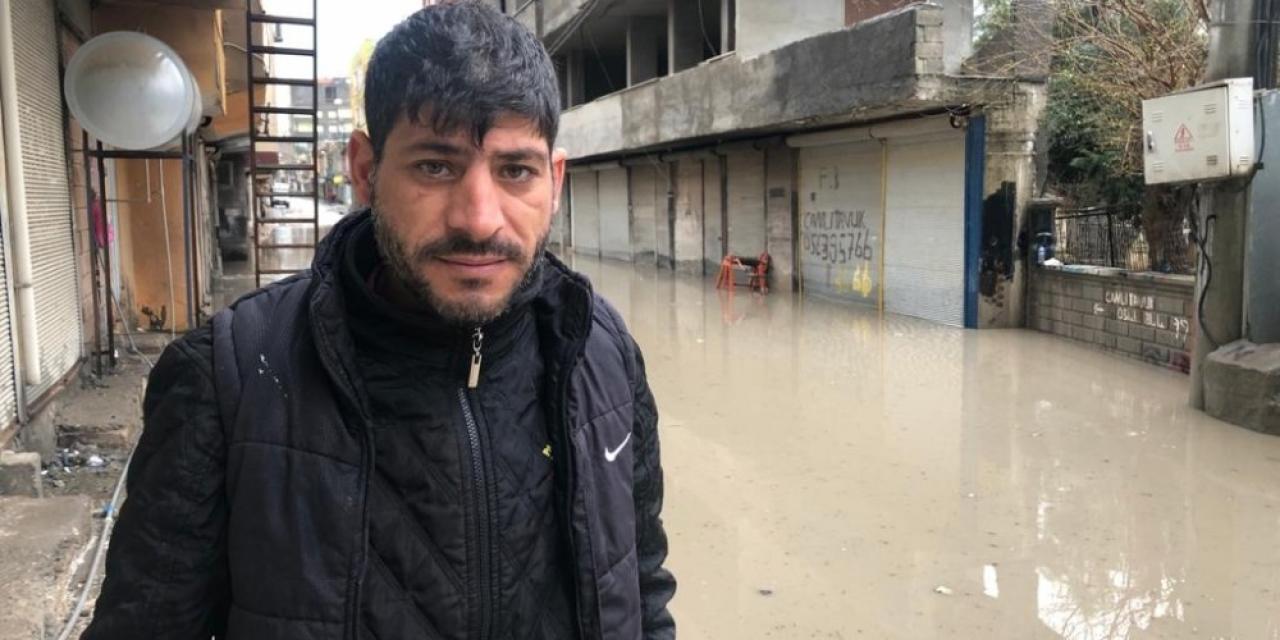 Kızıltepe'de aşırı yağış sonrası yollar göle döndü