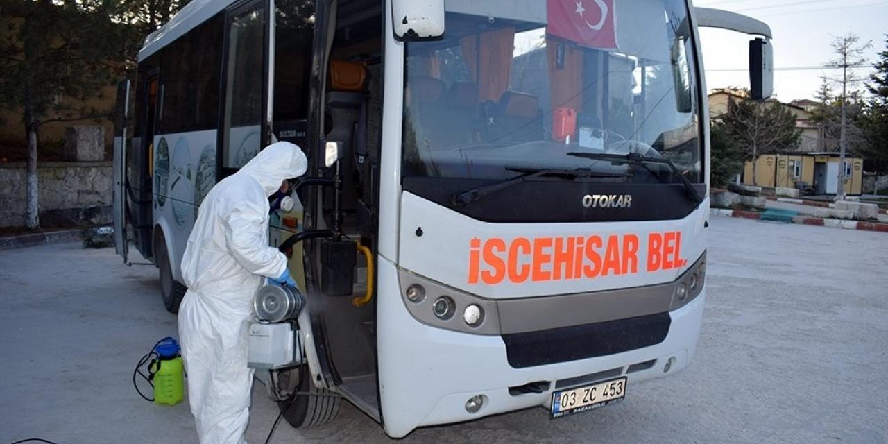 İscehisar Belediyesi toplu taşıma araçlarını dezenfekte etti