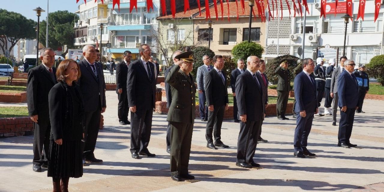 Aydın'da Çanakkale şehitleri için çelenk sunuldu