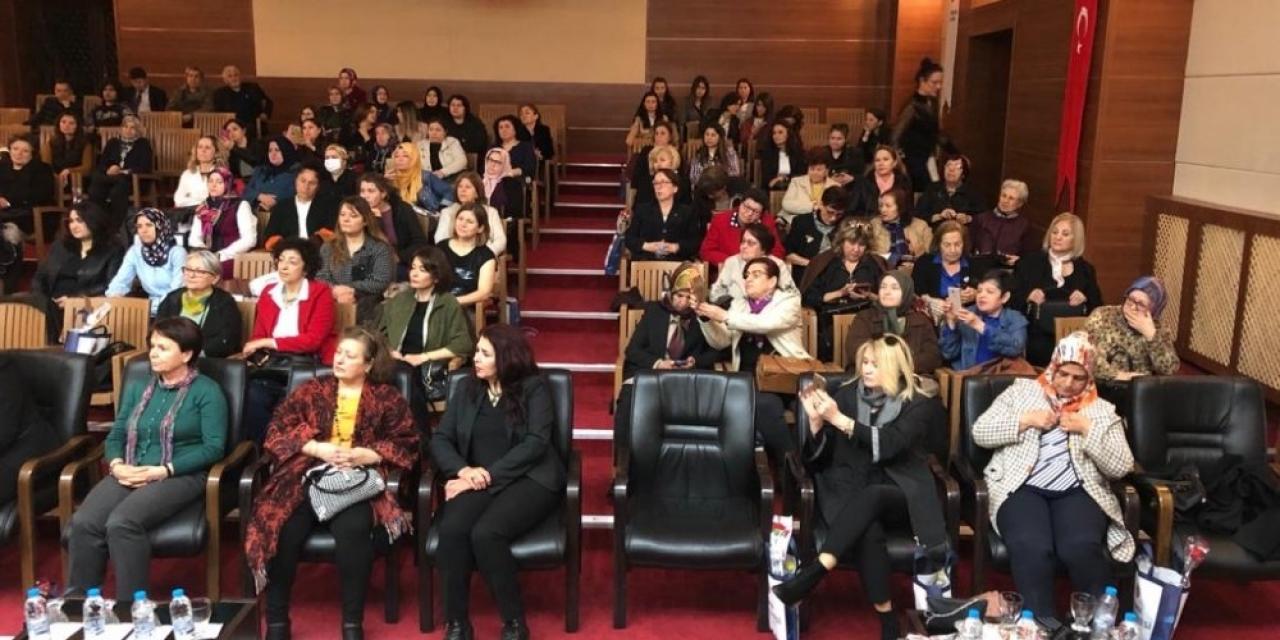 Büyükşehir belediyesinin kadınlara yönelik çalışmalarını anlattı