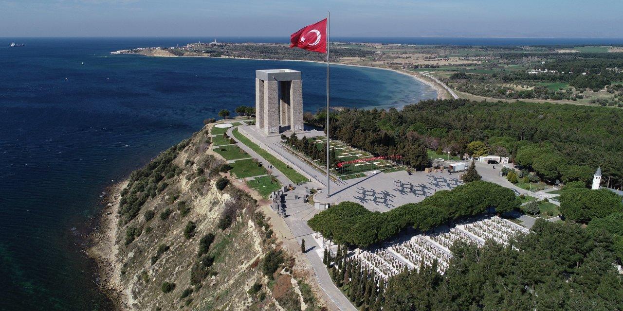 Çanakkale Deniz Zaferi'nin 105'inci yılı törenle kutlandı (2)