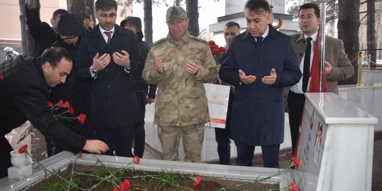 Bitlis'te 18 Mart Şehitleri Anma Günü ve Çanakkale Zaferi'nin 105. yılı