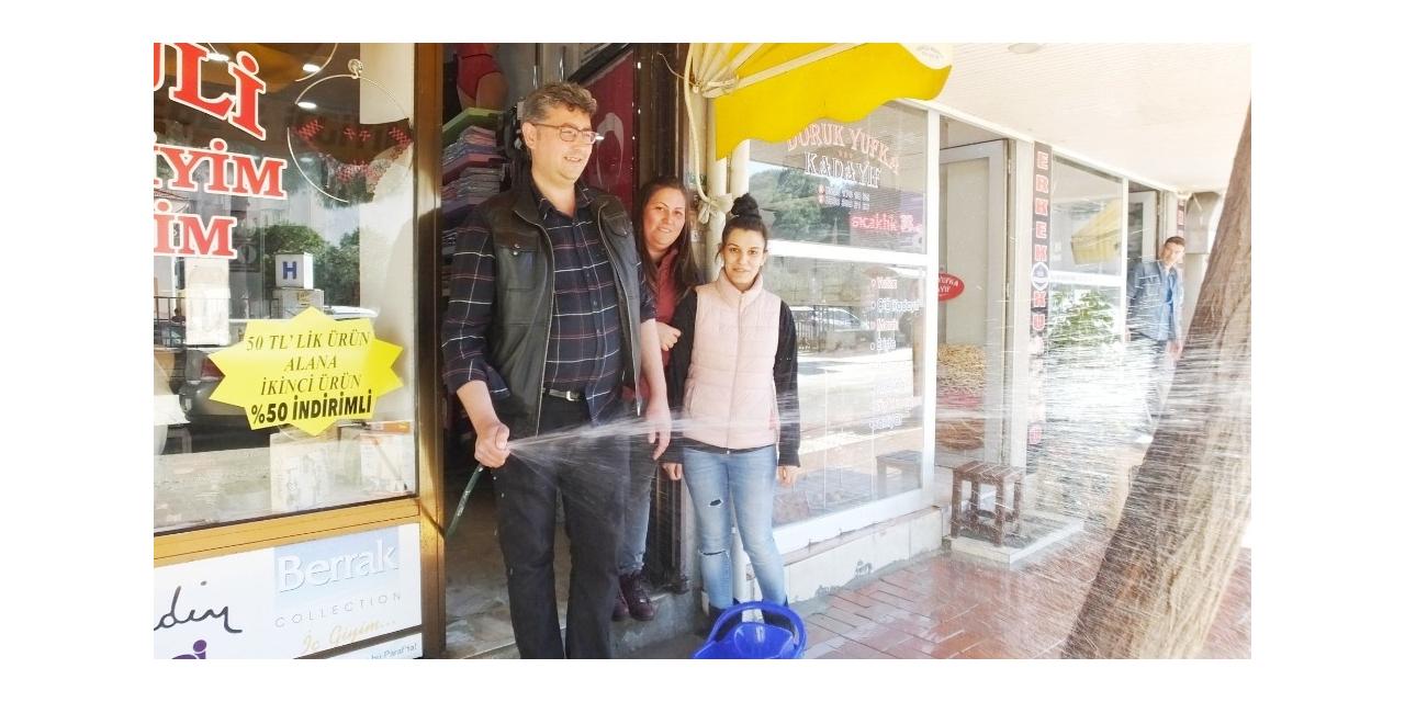 Burhaniye'de esnaflar toza karşı mücadele başlattı