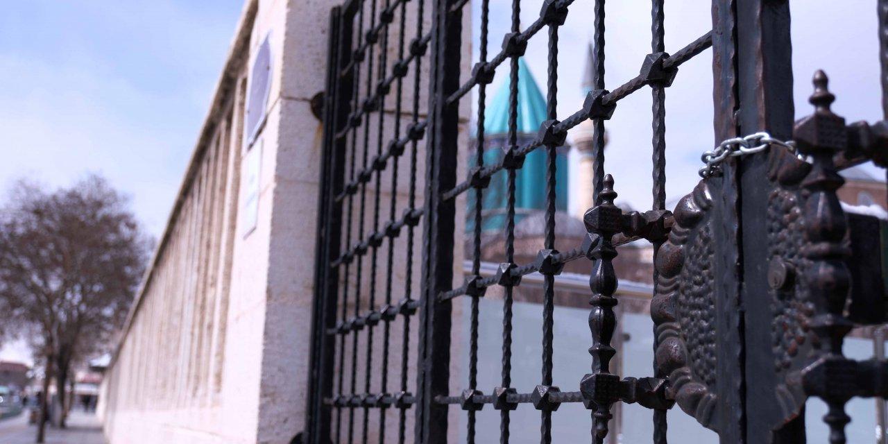 Mevlana Müzesi, koronavirüs nedeniyle ziyarete kapatıldı