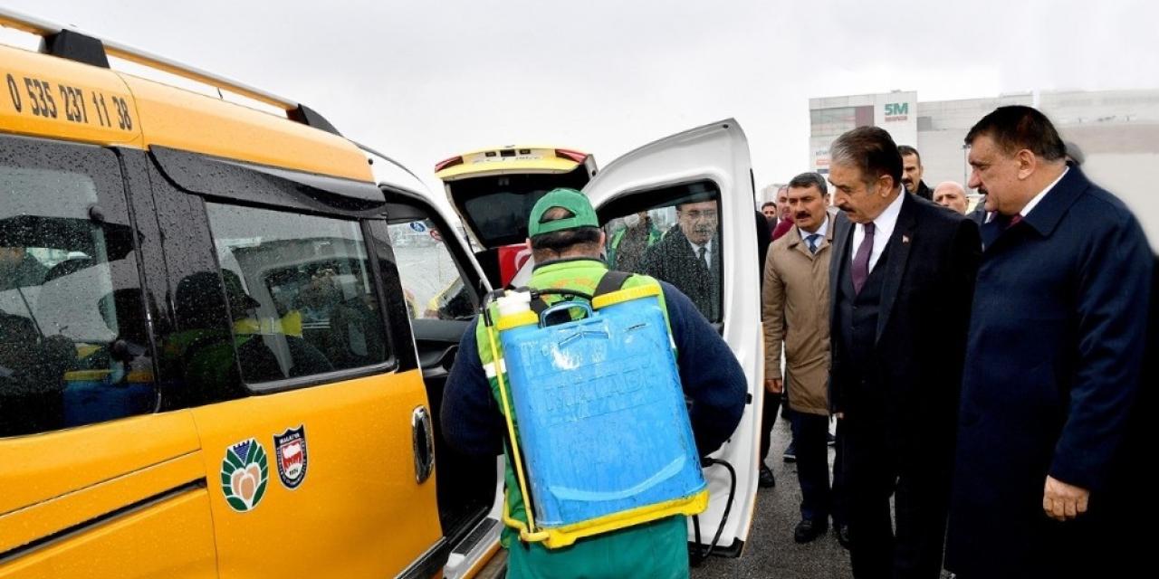 Malatya'da taksi ve servis araçları dezenfekte edildi