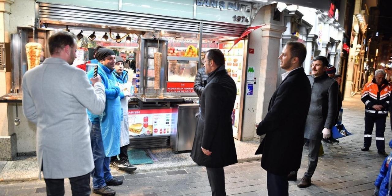 İstiklal Caddesi'nde işletmelerde korona virüs denetimi