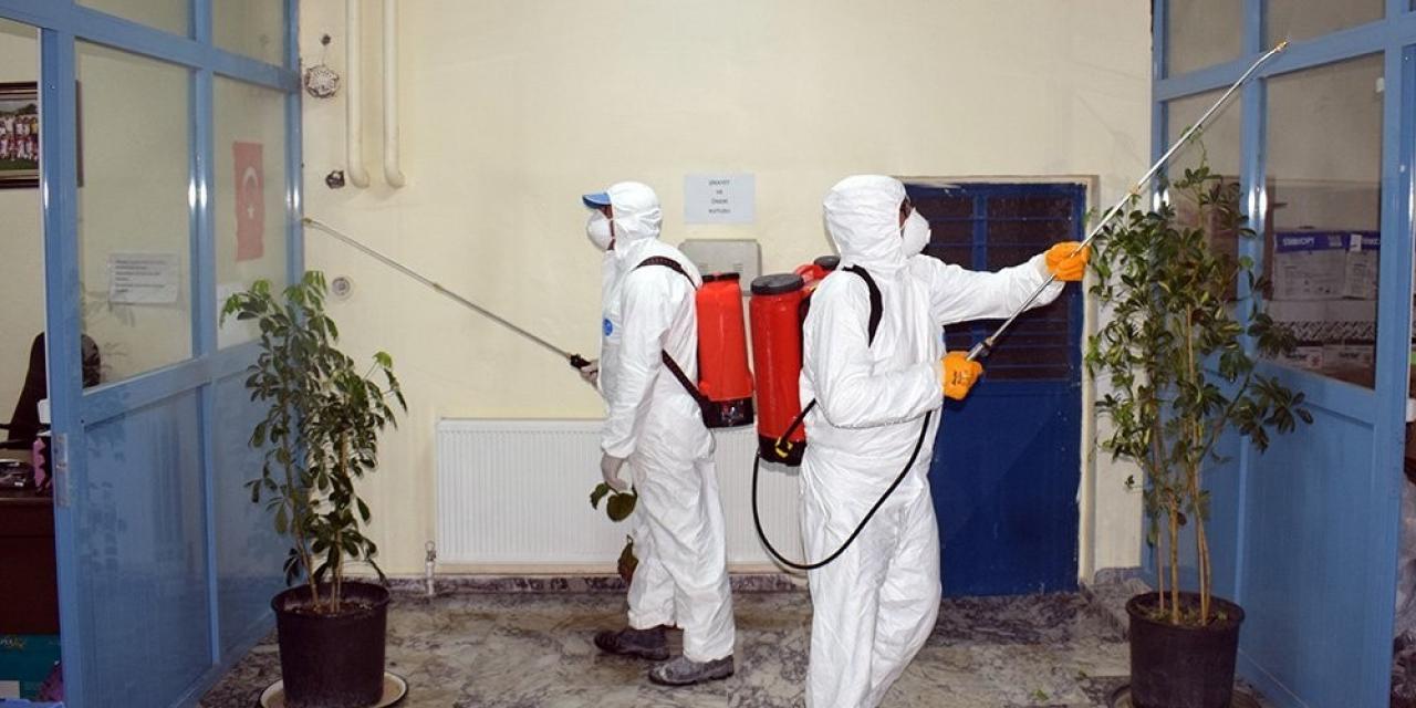 İscehisar'da dezenfeksiyon işlemleri aralıksız sürüyor