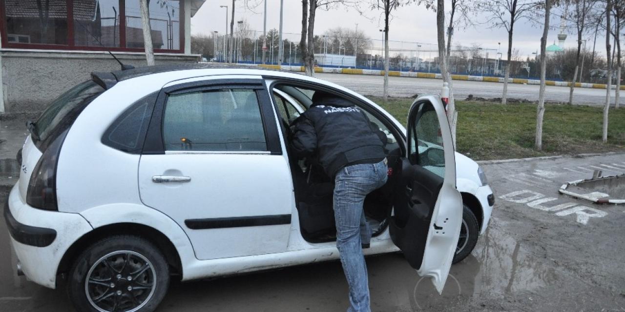 Aksaray'da kadının iç çamaşırından eroin çıktı