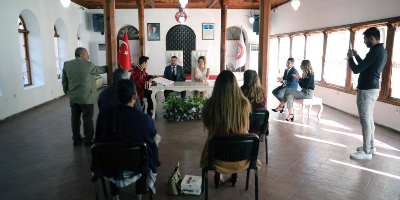 Menteşe'deki nikah törenlerinde 'virüs' önlemi