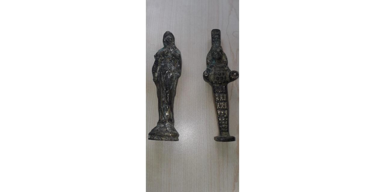 Roma dönemine ait heykelleri satmaya çalmışırken yakalandılar