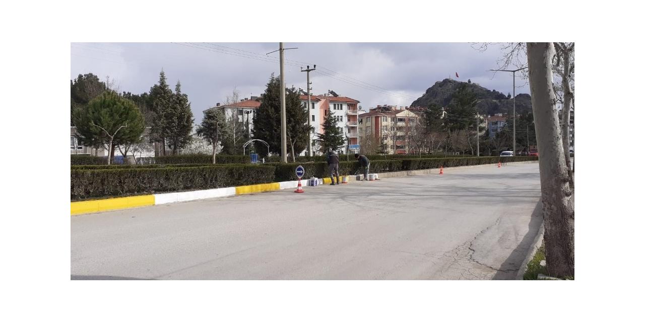 Osmancık'ta bordürler boyanıyor